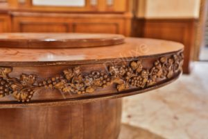 Шкафы из массива ореха