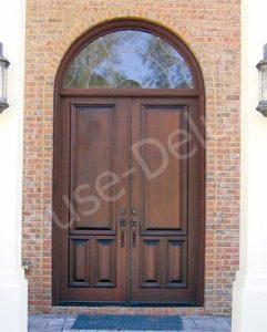 Входная дверь с аркой